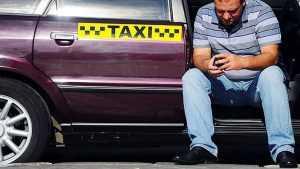 В Брянске таксист рассказал, как его обманули девушки-пассажирки
