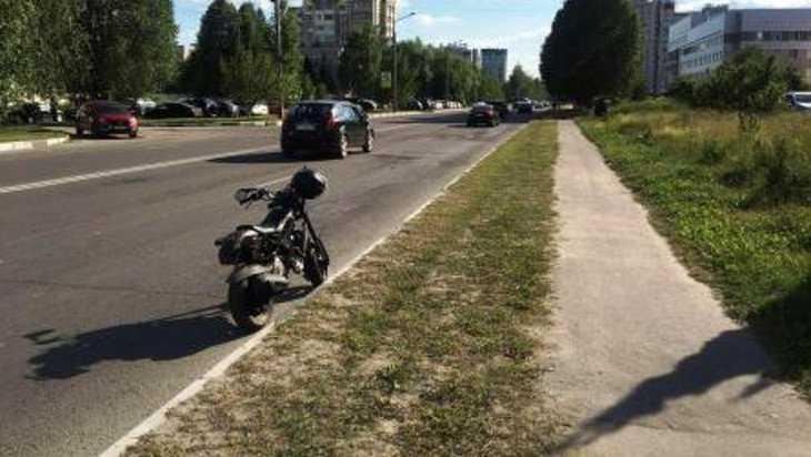 В Брянске опять разбился мотоциклист из-за камня на дороге