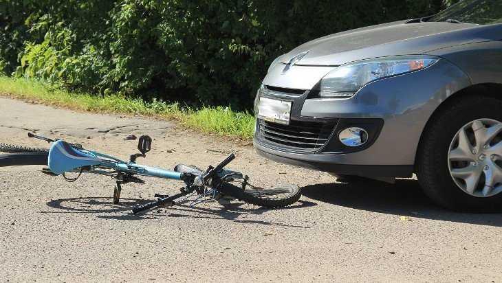 Автомобилистка покалечила велосипедиста на трассе под Брянском