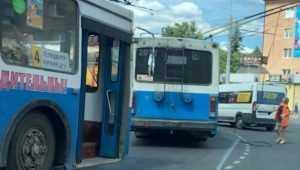 В Брянске на «Полтиннике» из-за ДТП образовалась огромная пробка