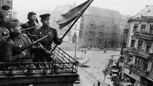 По британской версии, фашистов разгромила Германия