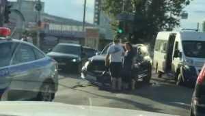 В Брянске пассажирка маршрутки сломала нос в ДТП