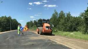 Разбитой трассе Брянск – Смоленск дорожники дали новую жизнь