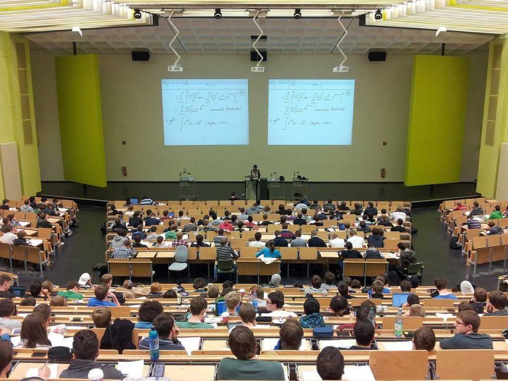 Высшее образование в Швейцарии — почему туда едут учиться?