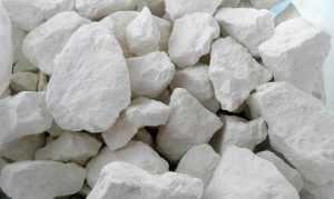 Какими особенностями обладает белая глина