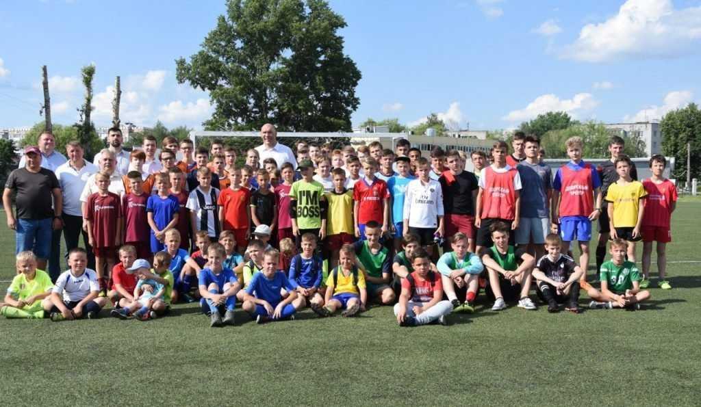 В Брянске Николай Валуев дал старт фестивалю детского дворового футбола