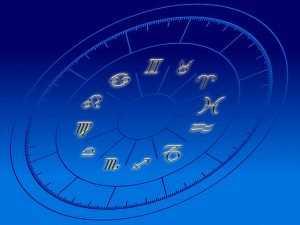 Почему люди верят в гороскопы