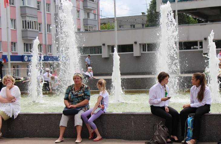 В День России в Брянске обещают грозу и 32-градусную жару