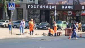 В Брянске на площади Ленина начали установку светофора