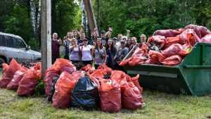 Брянцы убрали горы мусора рядом с озером Чертовица