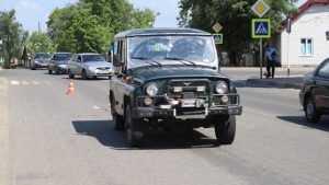 В Клинцах УАЗ сбил школьницу на пешеходном переходе