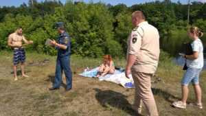 В Сураже на пляжи вышел бдительный патруль