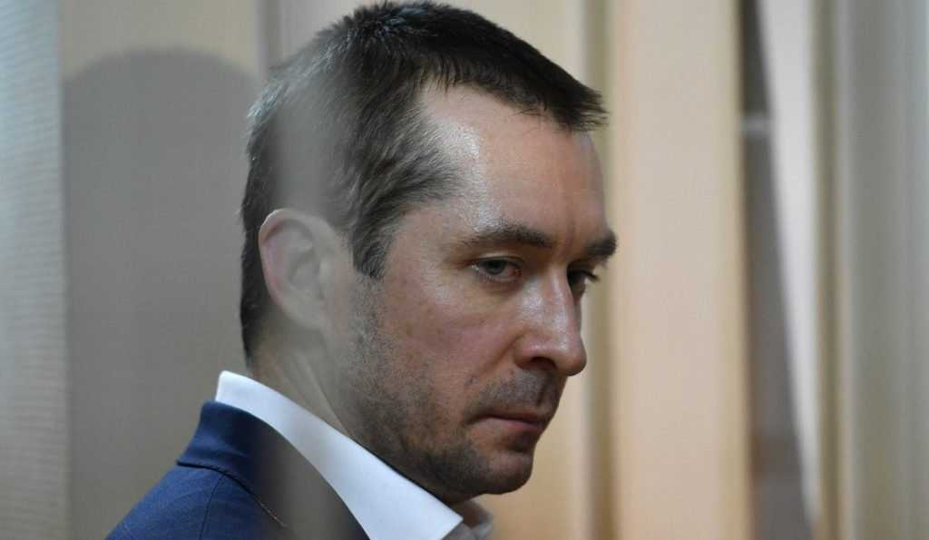 Бесхозные миллиарды полковника Захарченко