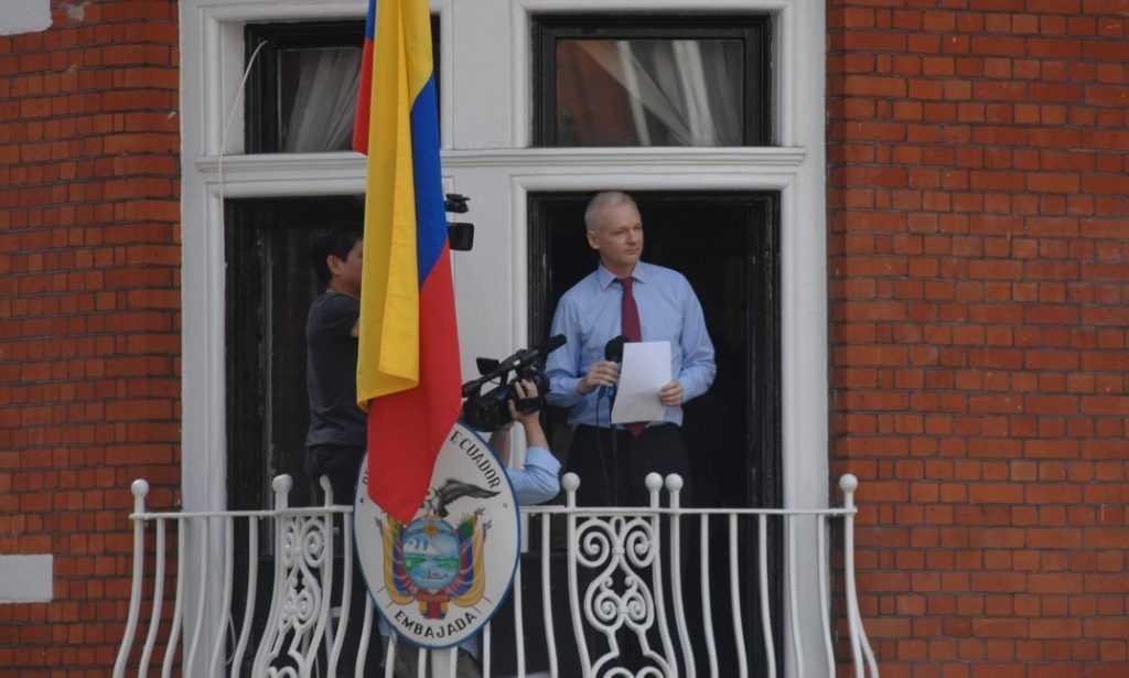 Великобритания готова выдать Джулиана Ассанжа США на казнь