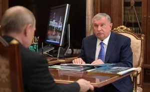 Сечина обвинили в использовании самолетов «Роснефти» в личных целях