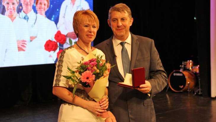 Три брянских медика стали заслуженными врачами России