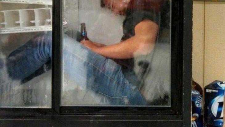 В Унечском районе залезший в магазин вор заснул на месте преступления