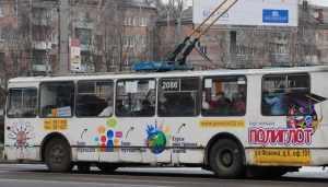 В центре Брянска Volkswagen врезался в троллейбус