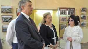 Брянский губернатор и Анна Громова встретились с краеведами в Локте