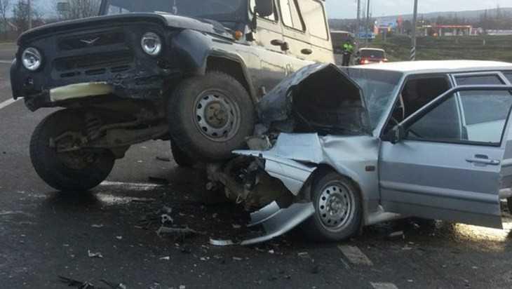 В Брасовском районе в ДТП покалечились водители УАЗа и ВАЗа