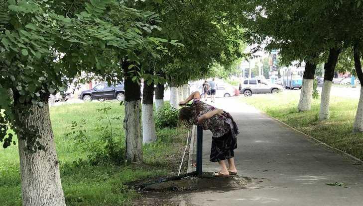 Уличные колонки стали спасением жителей Брянска в жару