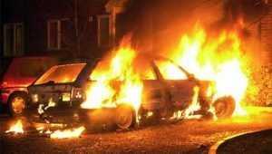 В Брянске около «Аэропарка» сгорела легковушка