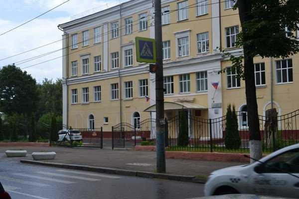 Брянские партийцы проверили безопасность пешеходных маршрутов возле школ