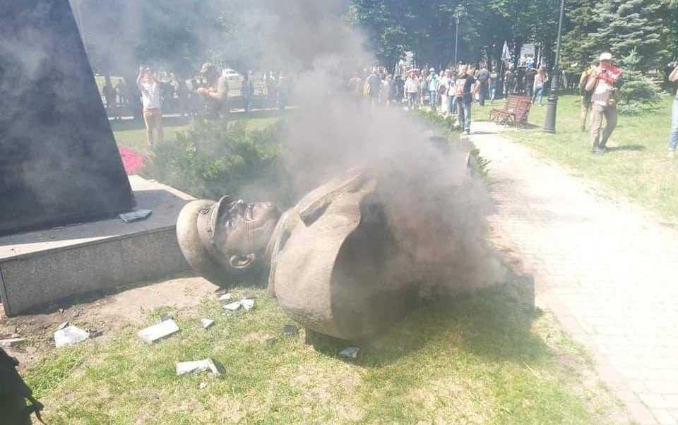 Харьковские депутаты жестко ответили местным националистам
