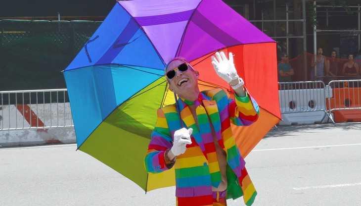 Киев заменил парады на 9 мая шествиями легионеров ЛГБТ