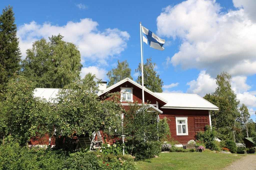 Чтобы не повторили: власти Финляндии готовы лишить россиян дач и земли