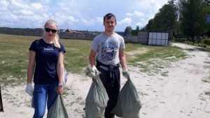Брянские общественники очистили в Бежице от мусора аэродром ДОСААФ