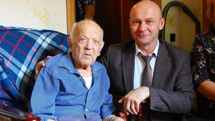 Брянский ветеран контрразведки Аба Хенкин отметил 103 день рождения