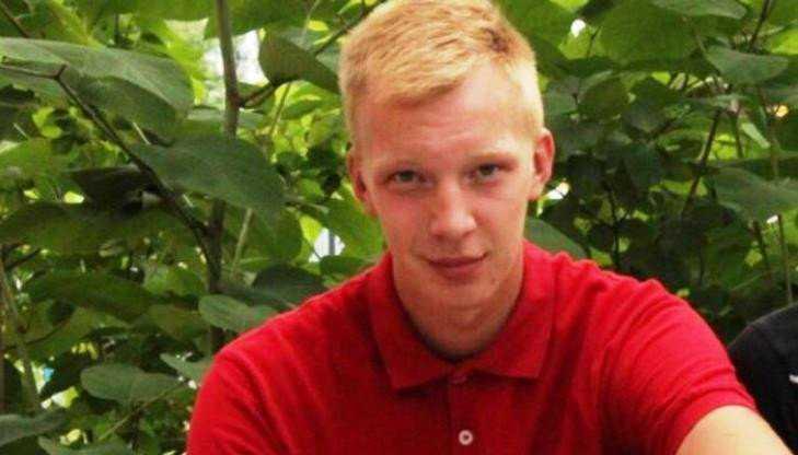 Убитый в Брянске 19-летний парень был футбольным фанатом