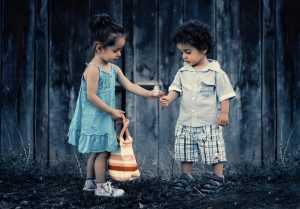 Как выбирать ребёнку нарядную одежду
