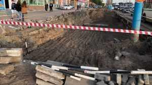 В Брянске начали дорожные работы возле мини-рынка в 5 микрорайоне
