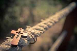 Можно ли носить чужой крестик