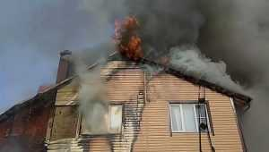В Фокинском районе Брянска сгорела двухэтажная дача