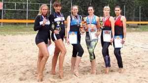 Брянские волейболистки на родном пляже сыграли лучше всех