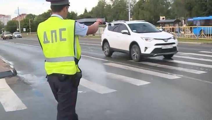 За чрезмерную тонировку в Брянской области наказали 724 водителя