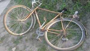 В Сельцо Брянской области легковушка сбила 70-летнюю велосипедистку
