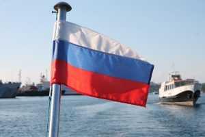Читатели французской газеты посмеялись над гибелью российских моряков
