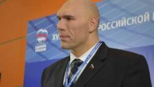 Валуев: Девять спортивных залов планируют отремонтировать на Брянщине к 1 сентября