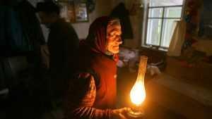 Климовская деревня Плавна после урагана третий день остаётся без света
