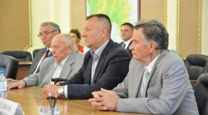 Брянский губернатор встретился с бывшими руководителями области