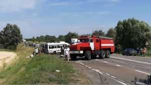Под Унечей в ДТП с маршруткой и Volvo погибли три человека