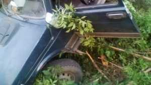 По дороге на Вщиж водитель «Нивы» врезался в камень и разбил голову