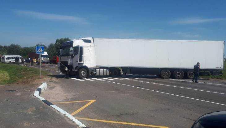 В Брянске СК начал расследование ДТП с погибшими пассажирами маршрутки