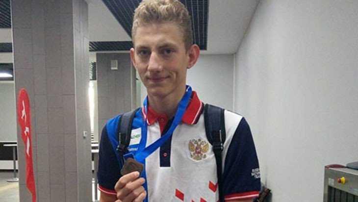 Брянский пловец взял «серебро» на юниорском чемпионате Европы