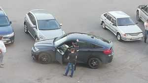 В Брянске возле гипермаркета «Линия» столкнулись две легковушки