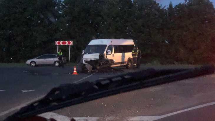 Под Брянском водитель погиб при столкновении с маршруткой